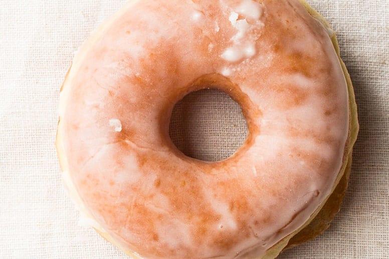 La imagen puede contener Comida Pan Pastelería Postre Confitería Dulces Bagel de huevo y rosquilla
