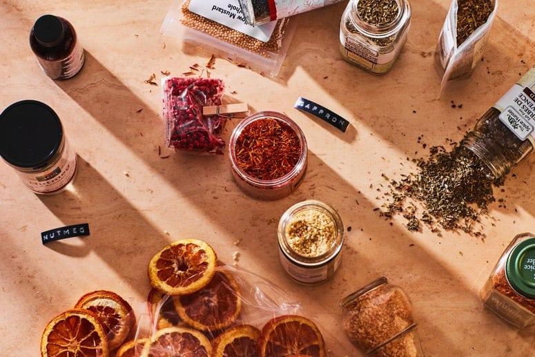 La imagen puede contener: especias, plantas, alimentos, productos agrícolas y reloj de pulsera