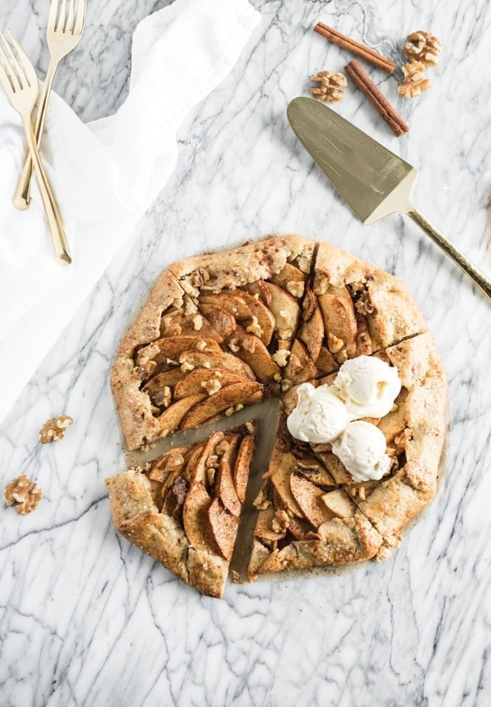 APPLE WALNUT GALETTE 1 1 GALETTE DE NUECES Y MANZANA DE TRIGO INTEGRAL