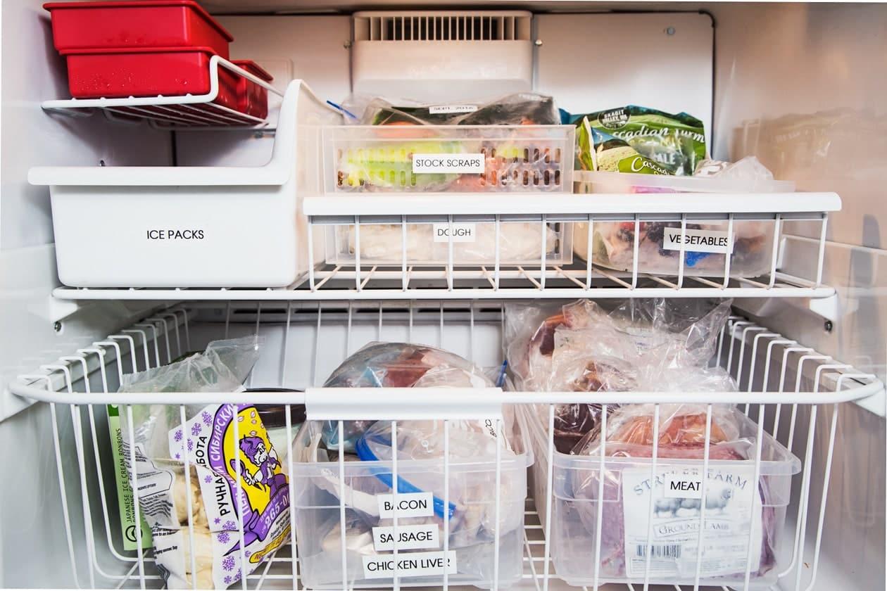 La imagen puede contener estantes y electrodomésticos