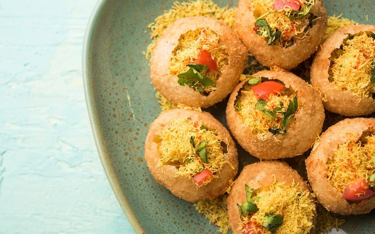 Sev puri: bocadillo indio y un tipo de chaat.